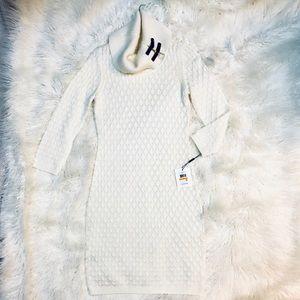 *NWT* Calvin Klein Sweater Dress - Small